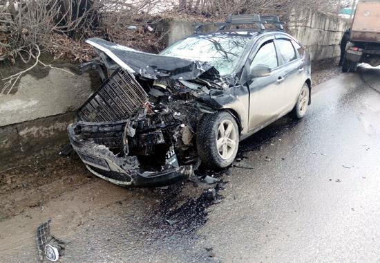 ВПрикамье шофёр легковушки пострадал вДТП с грузовым автомобилем