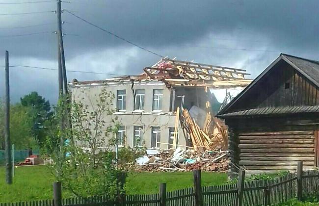ВПрикамье рухнула школа, которую администрация признавала неопасной