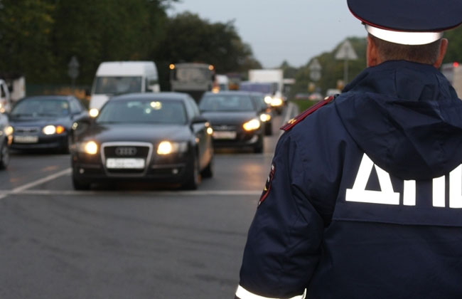 ВПрикамье инспекторов ДПС оштрафовали занарушение правил транспортировки детей