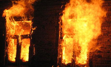 Мать итрое детей сгорели ночью напожаре вПрикамье