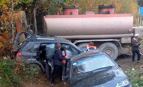 ВПрикамье бензовоз раздавил 6 торговцев, стоявших вдоль дороги