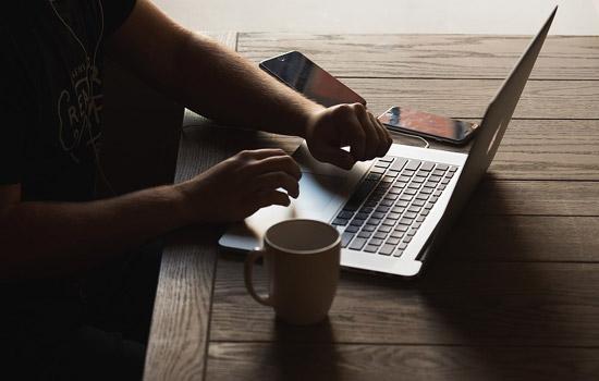 Гражданин Горнозаводска снял экс-жену голой ивыложил кадры винтернет