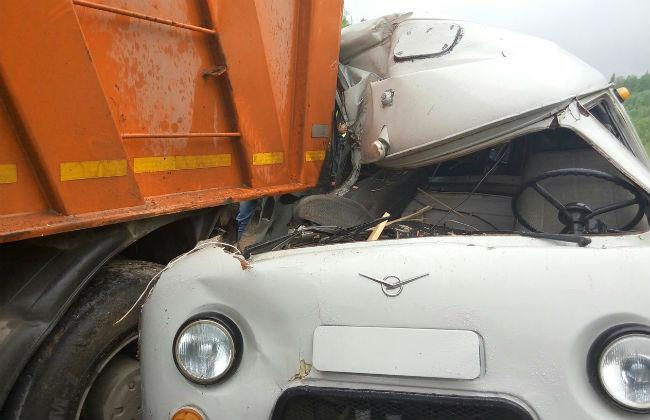 ВПермском крае в трагедии УАЗ был раздавлен самосвалом