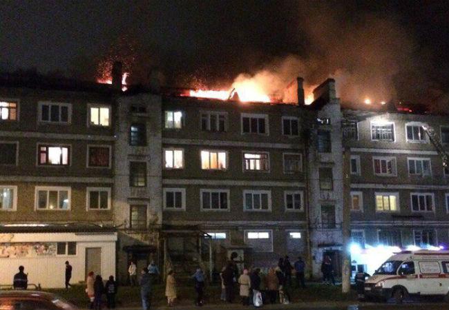 ВБерезниках сгорела кровля многоквартирного дома